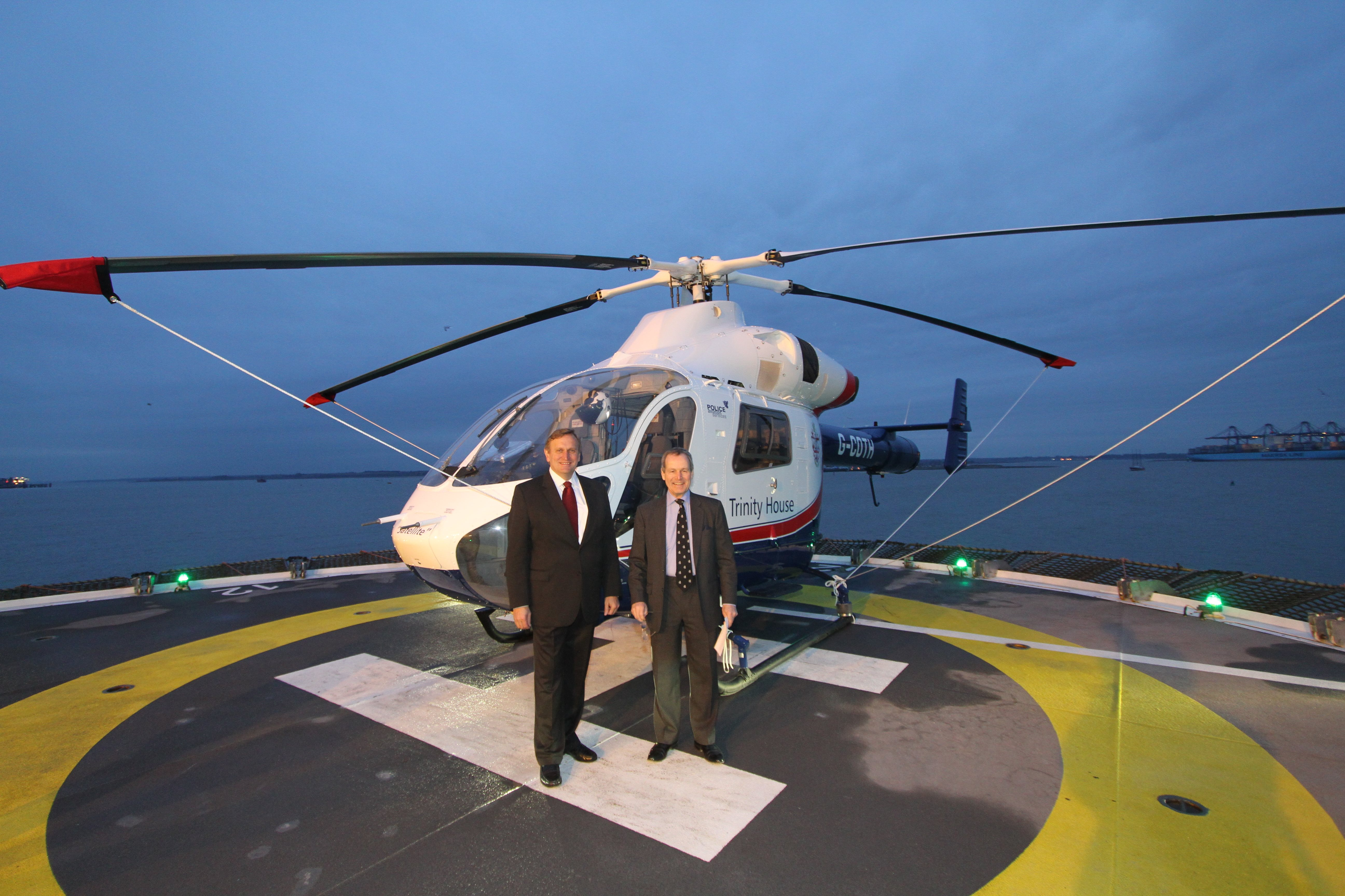 SAS signs a contract to support the offshore operations of Trinity House using the MD 902.